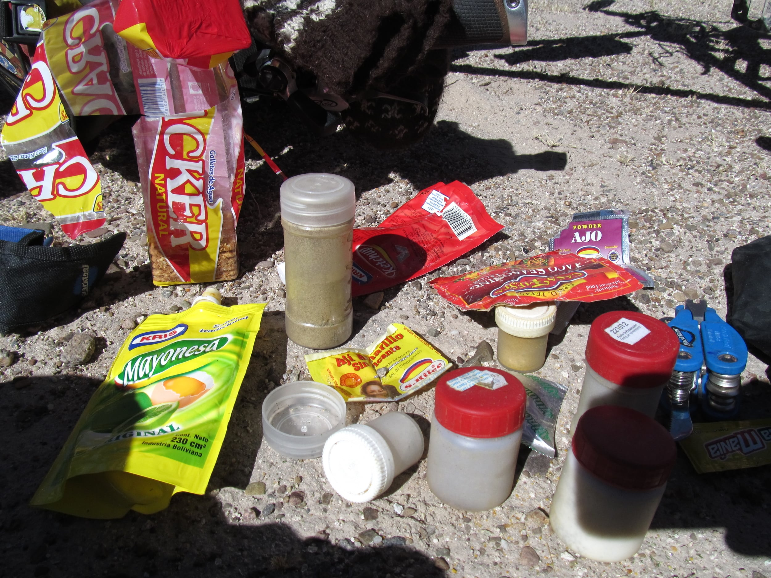 Here is what we were working with. That is ketchup, mayo, mustard, and assorted spices.