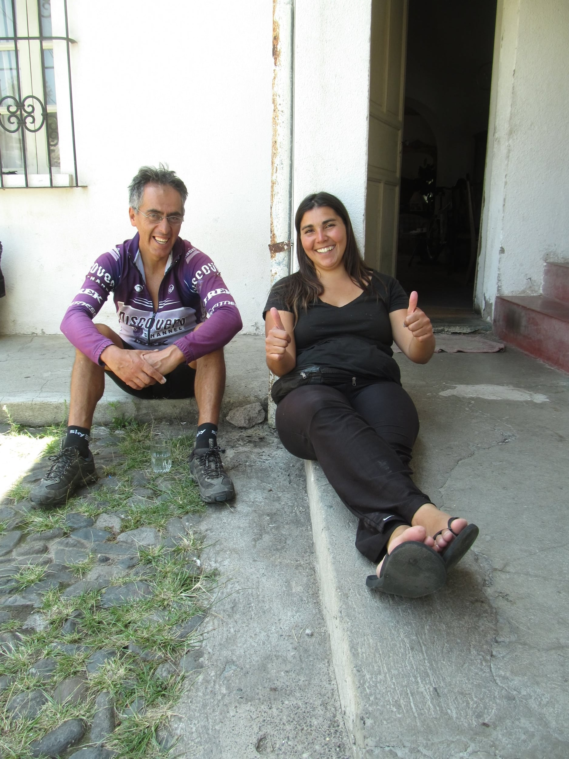 Santiago, the hero behind the Casa de Ciclistas in Tumbaco, and Maria del Mar, another cycle tourist from Argentina.