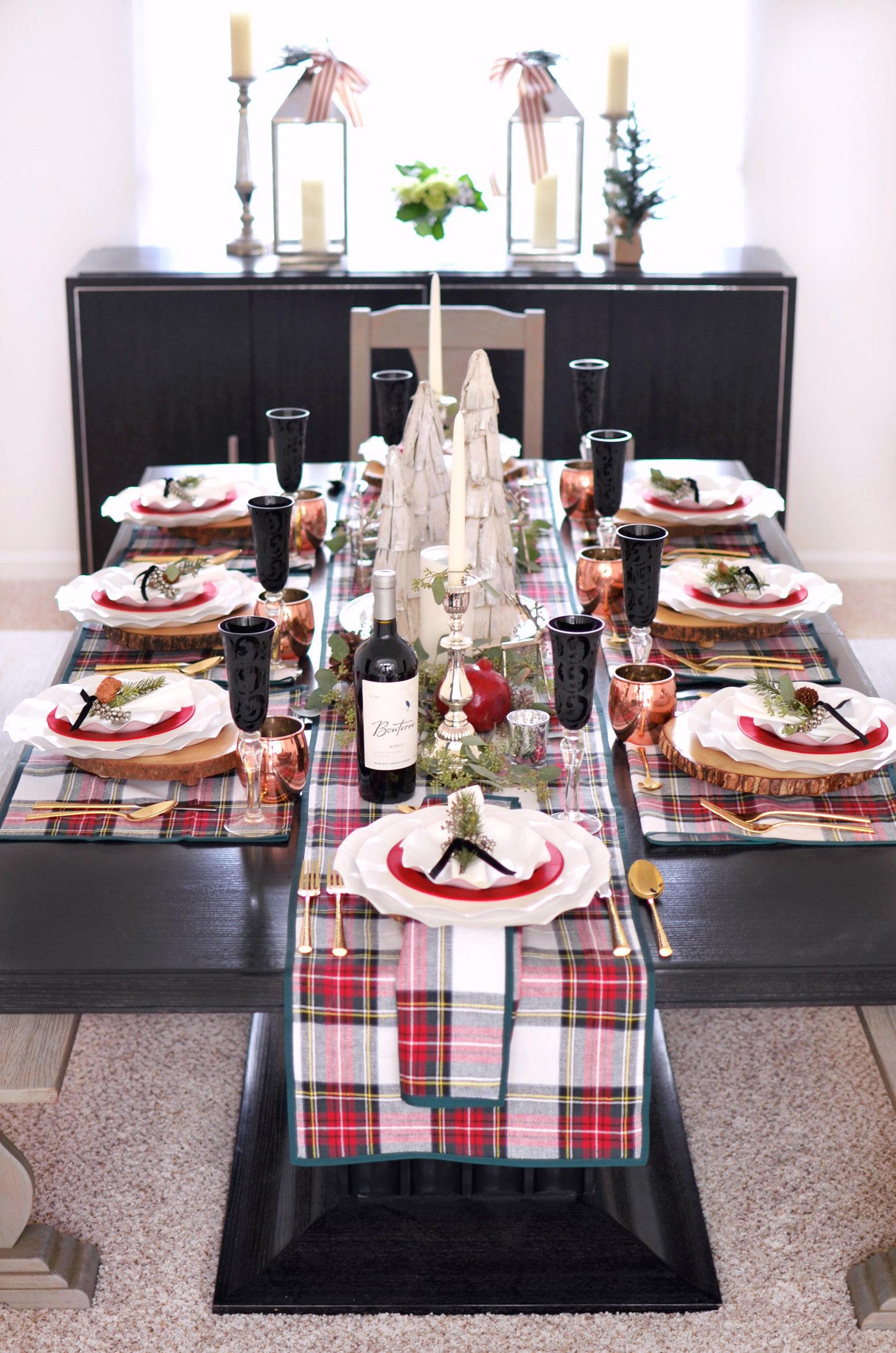 Holiday Plaid Table 0179