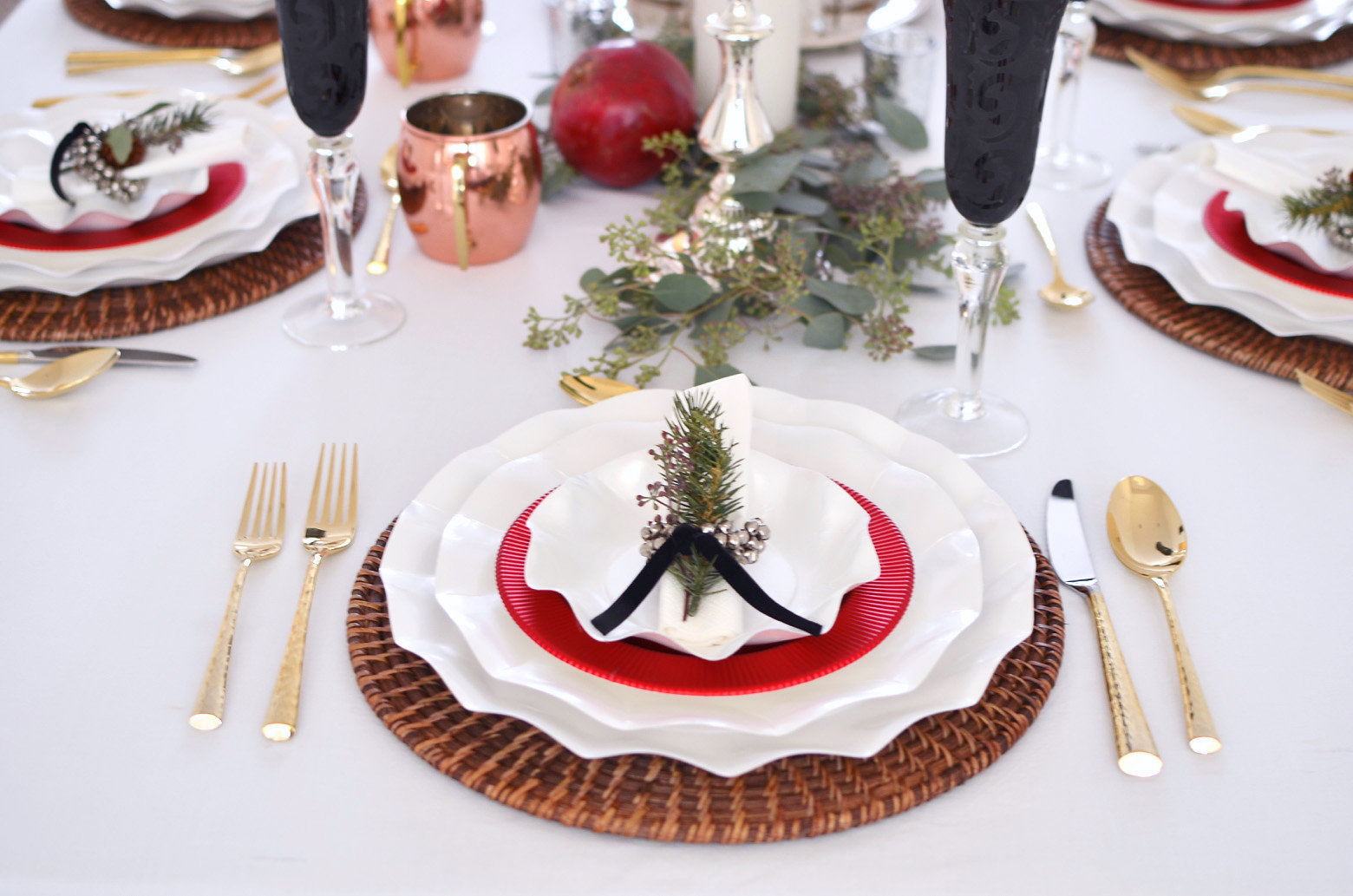Traditional Holiday Table 302