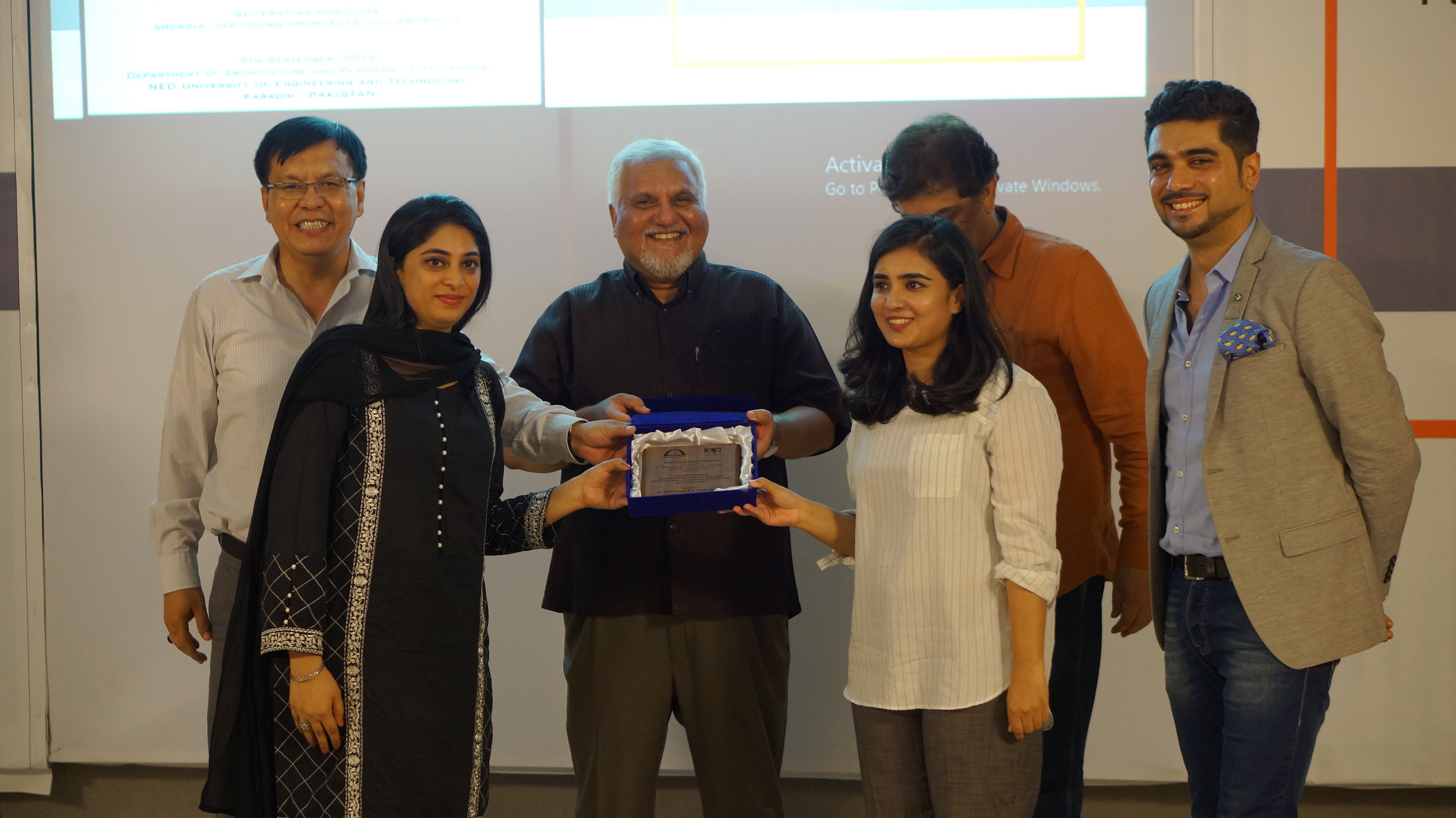 ARCASIA – IAP Young Architects Collaborative Seminar in Karachi on 9th September 2016. Architect Yumna Javed and Faryal Memon receiving participants award for representing Marvi Mazhar & Associates.