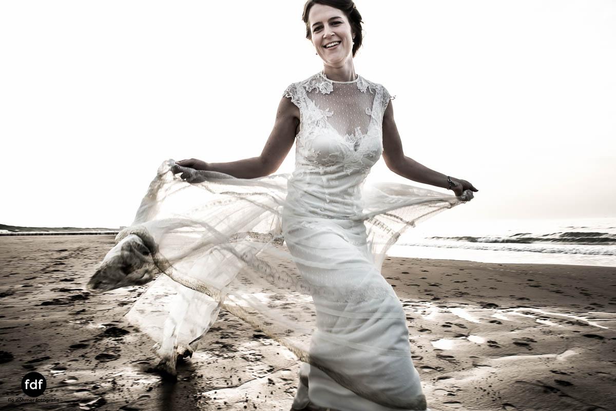 Braut-Meer-Hochzeit-Brautkleid-Shooting-Cadzand-6 109.jpg