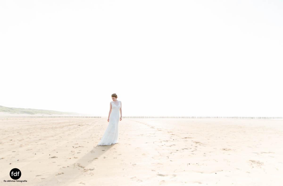 Braut-Meer-Hochzeit-Brautkleid-Shooting-Cadzand-10 102.jpg