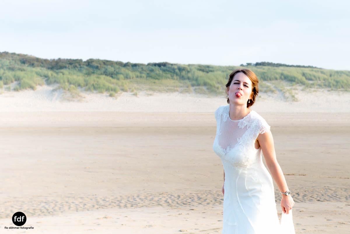 Braut-Meer-Hochzeit-Brautkleid-Shooting-Cadzand-11 103.jpg