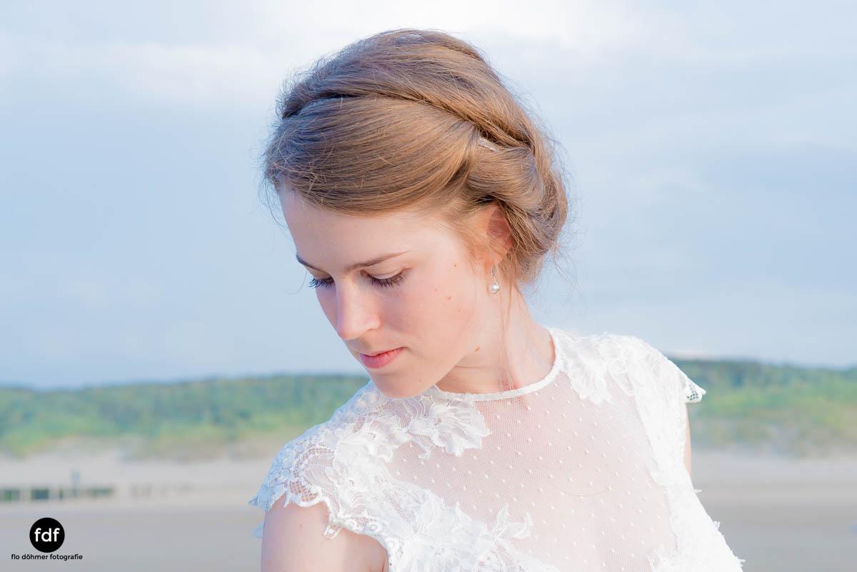 Braut-Meer-Hochzeit-Brautkleid-Shooting-Cadzand-12 104.jpg