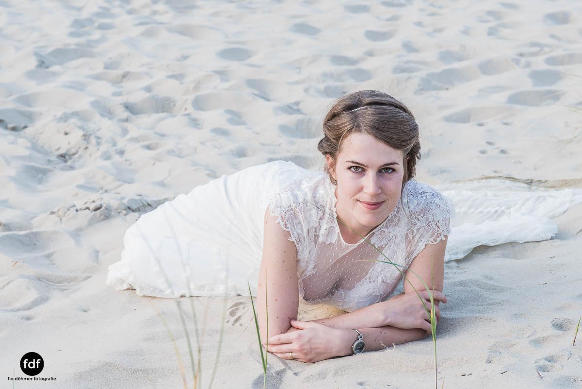 Braut-Meer-Hochzeit-Brautkleid-Shooting-Cadzand-17 116.jpg