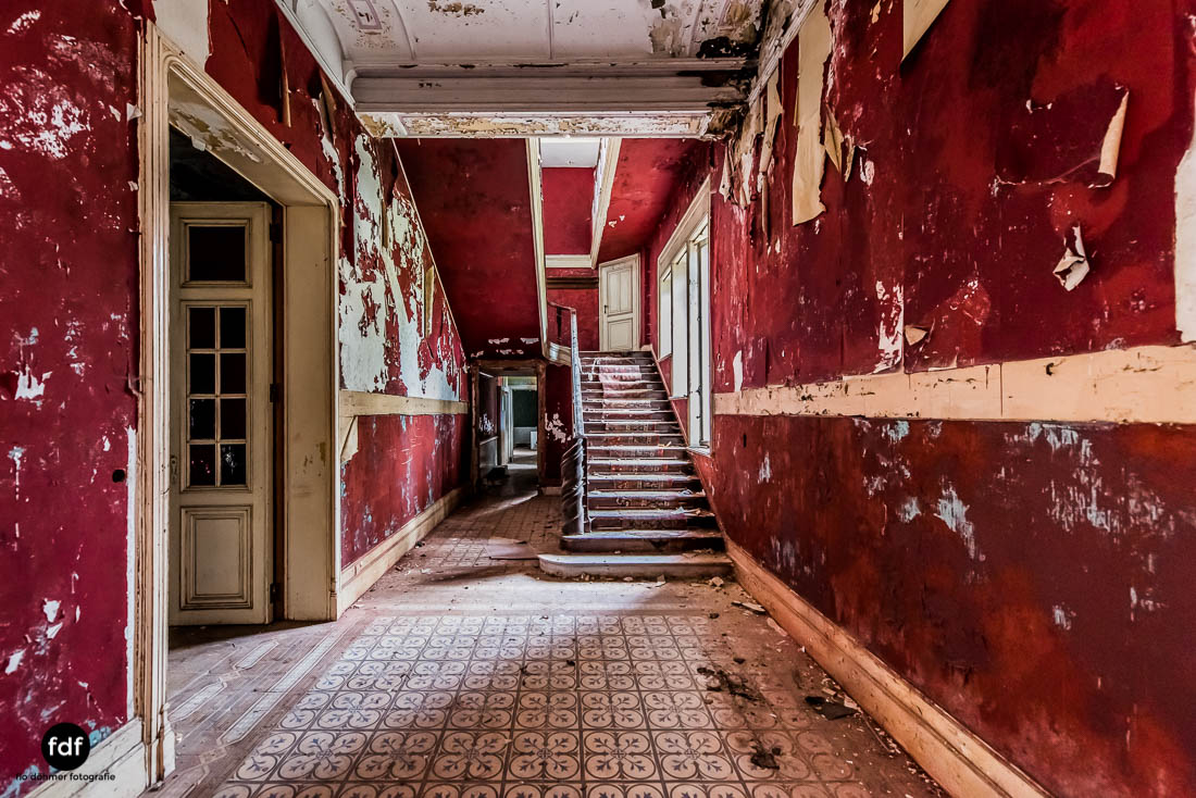 Chateau-Rouge-Lost-Place-Urbex-Anwesen-Villa-Hotel-Belgien-104.jpg