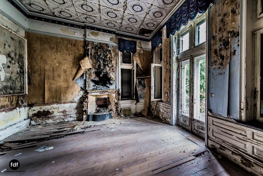 Chateau-Rouge-Lost-Place-Urbex-Anwesen-Villa-Hotel-Belgien-106.jpg