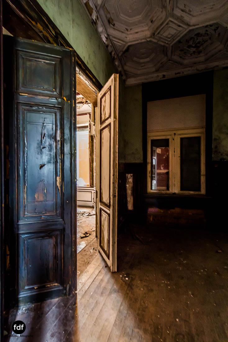 Chateau-Rouge-Lost-Place-Urbex-Anwesen-Villa-Hotel-Belgien-105.jpg