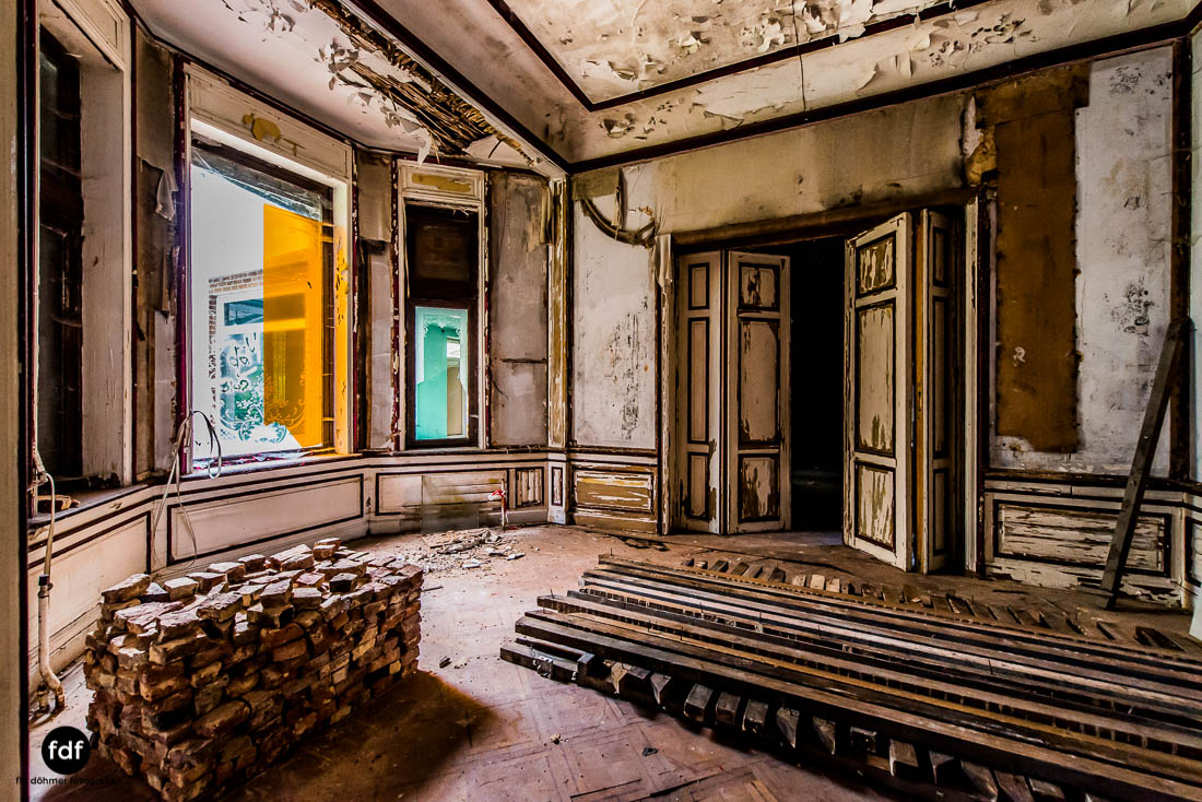 Chateau-Rouge-Lost-Place-Urbex-Anwesen-Villa-Hotel-Belgien-108.jpg