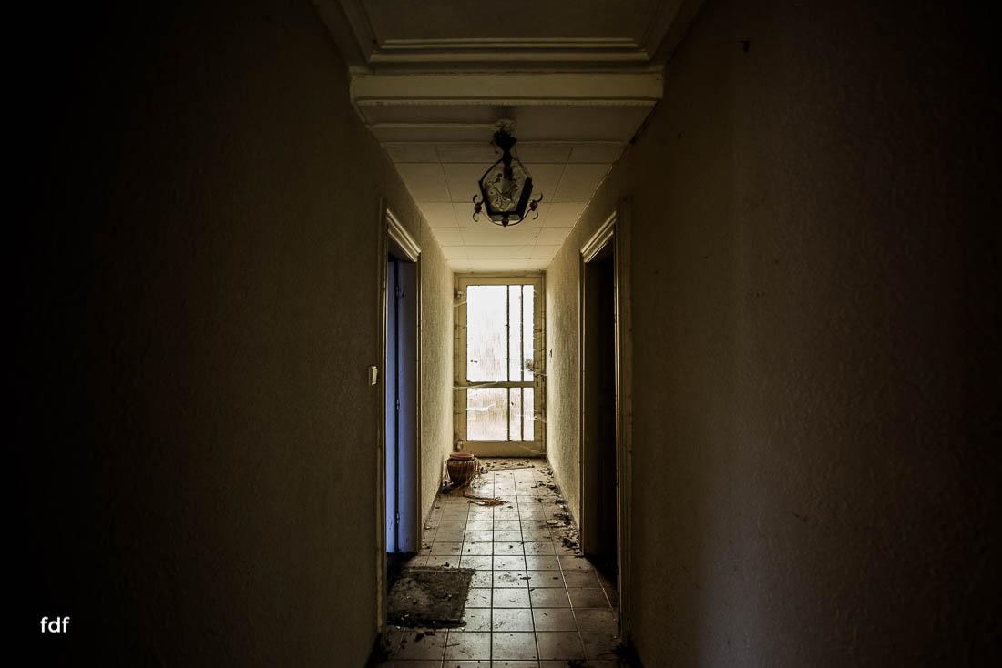 Maison-Hommel-Urbex-Lost-Place-Luxemburg-Verfall-105.jpg