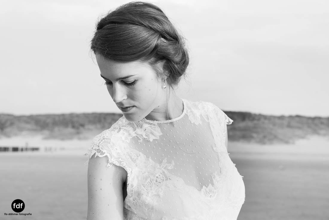 Braut-Meer-Hochzeit-Brautkleid-Shooting-Cadzand-501.jpg