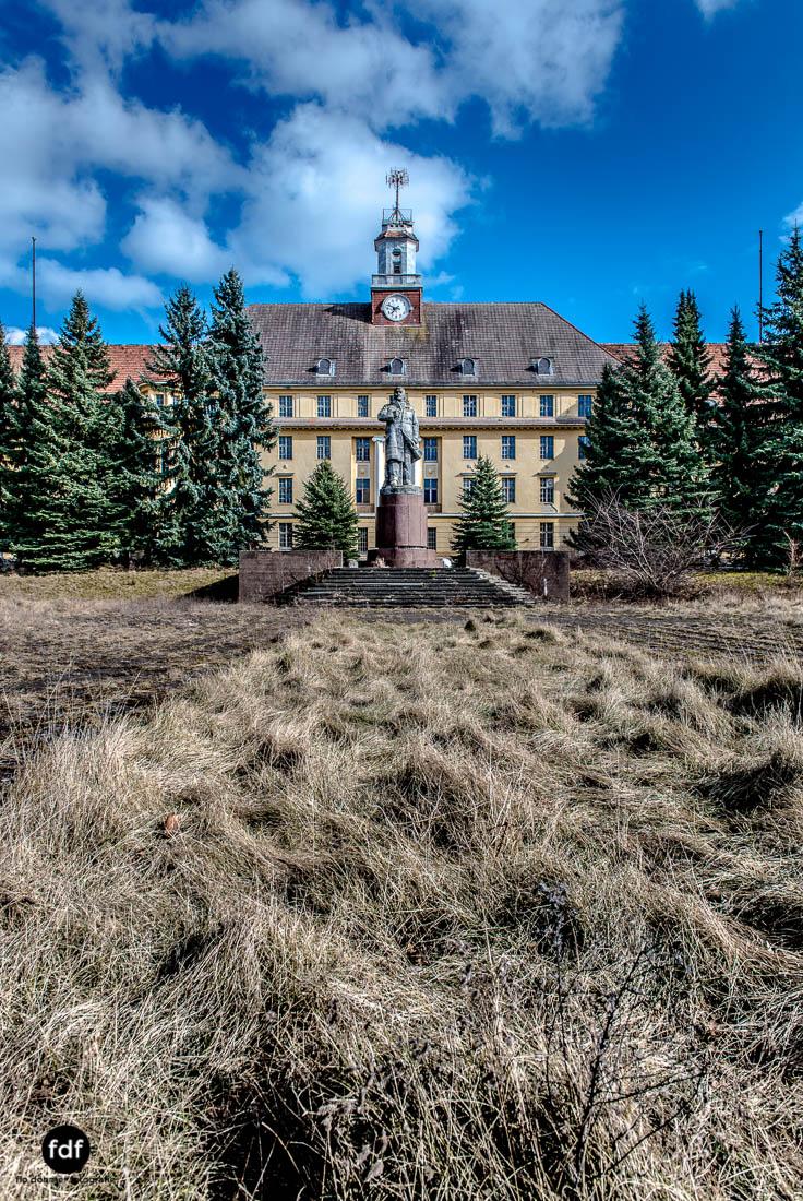Wünsdorf-Kaserne-Sowjet-Lost-Place-Urbex-Lenin-217-19.jpg
