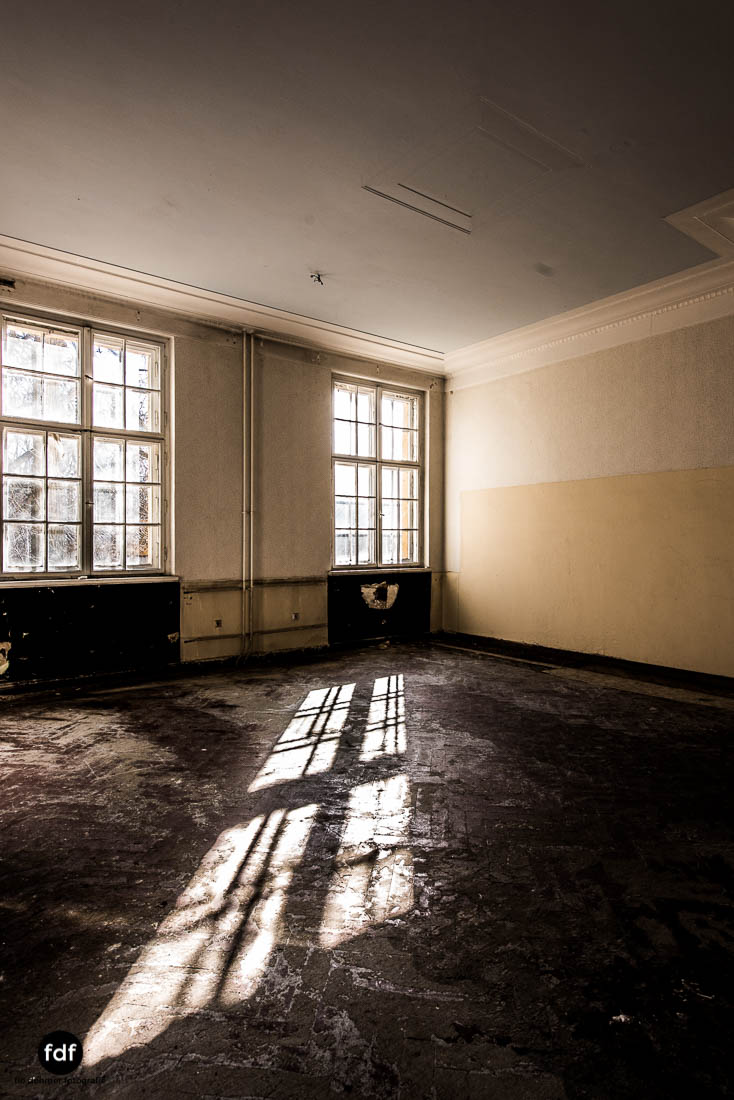 Wünsdorf-Kaserne-Sowjet-Lost-Place-Urbex-Lenin-361-27.jpg