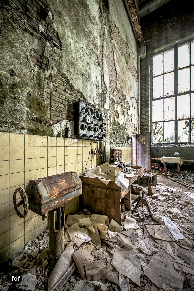 Papierfabrik-2-Kraftwerk-Urbex-Lost-Place-NRW-15.jpg