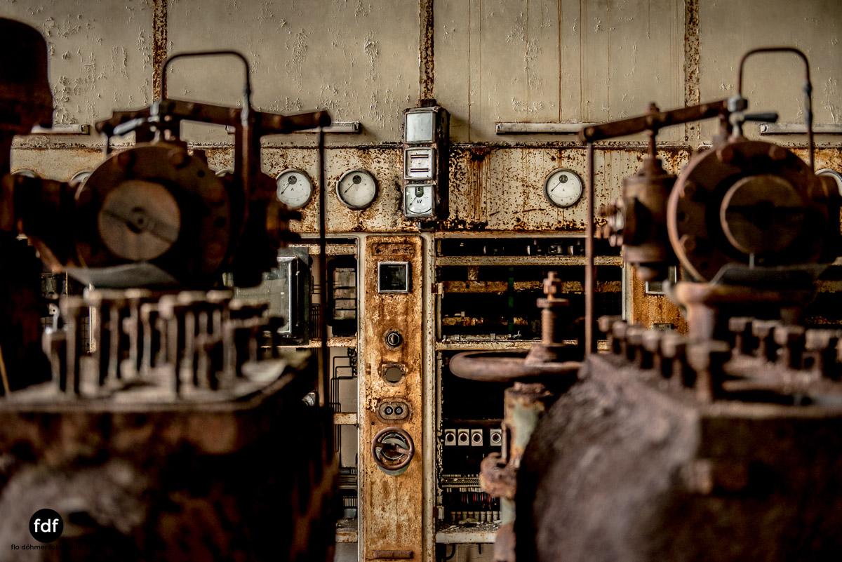 Papierfabrik-2-Kraftwerk-Urbex-Lost-Place-NRW-14.jpg