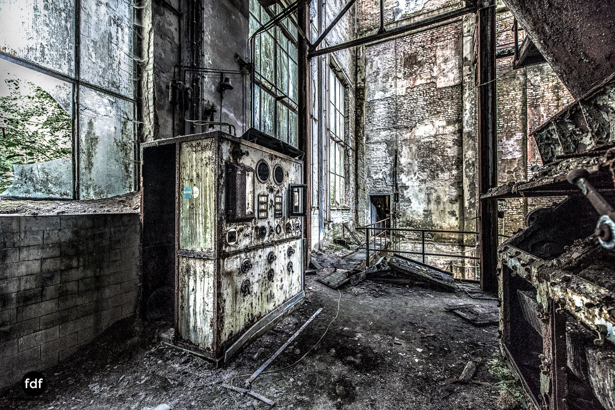 Papierfabrik-2-Kraftwerk-Urbex-Lost-Place-NRW-20.jpg