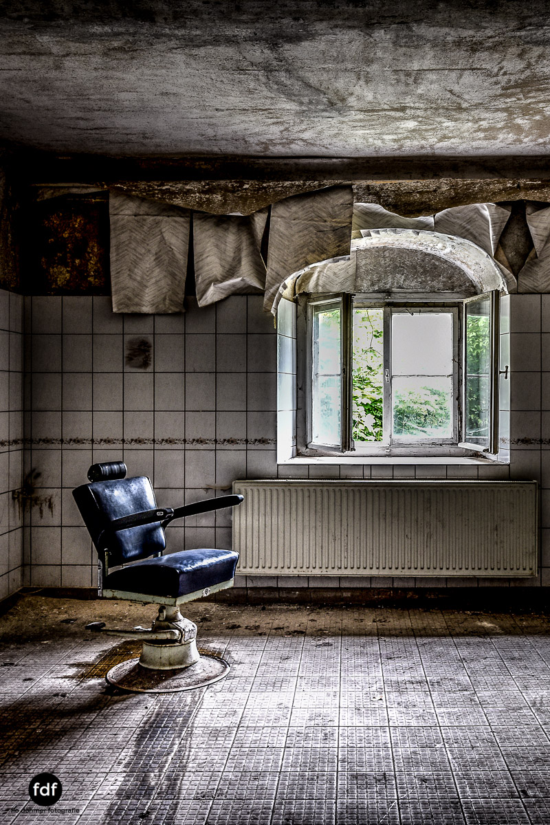 House-of-Wheelchairs-Urbex-Lost-Place-Altenheim-15.jpg