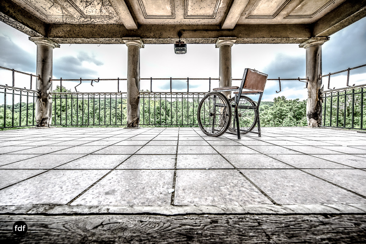 House-of-Wheelchairs-Urbex-Lost-Place-Altenheim-17.jpg