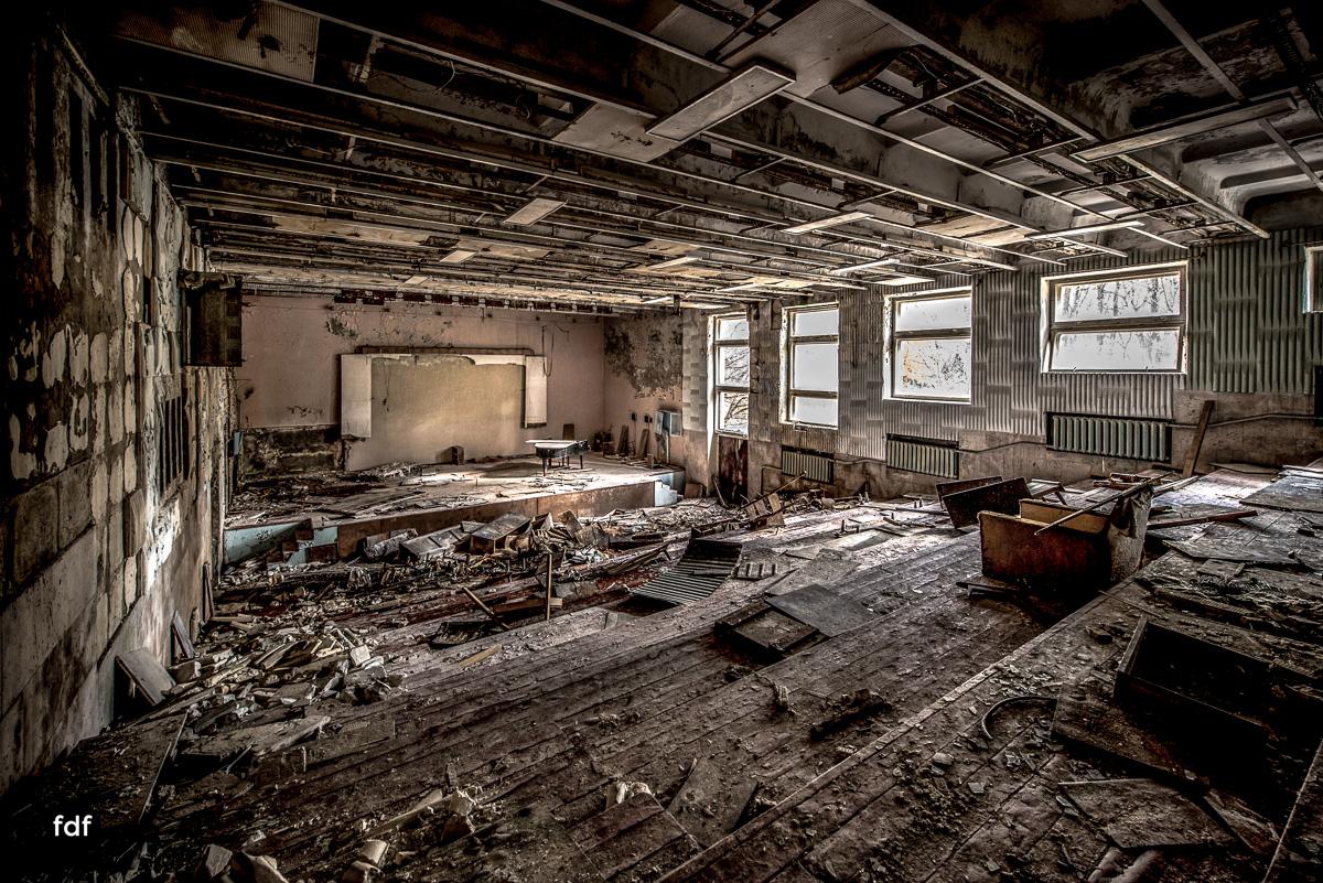 Tschernobyl-Chernobyl-Prypjat-Urbex-Lost-Place-Cafe-Prypjat-Prometheus-Klavierschule-19.jpg