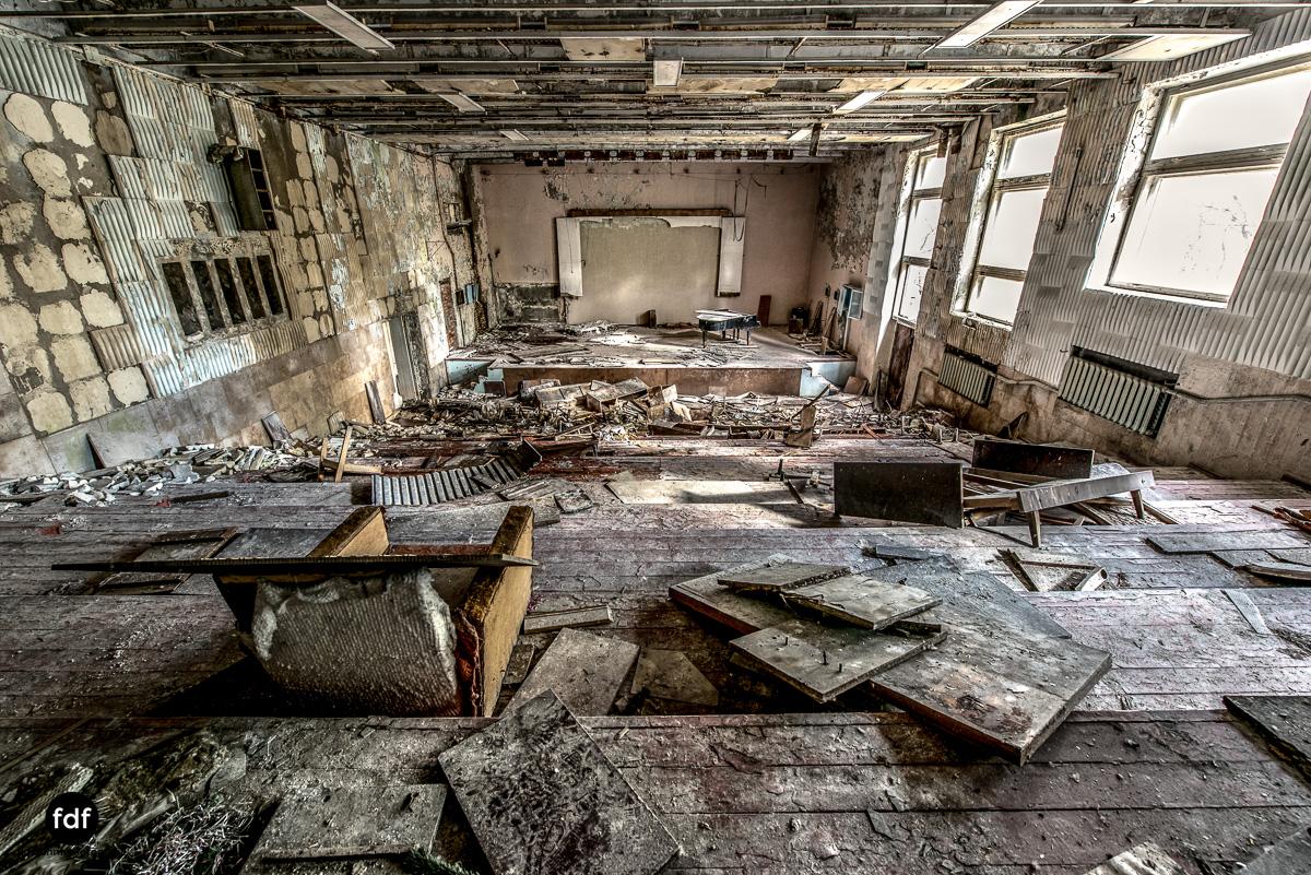 Tschernobyl-Chernobyl-Prypjat-Urbex-Lost-Place-Cafe-Prypjat-Prometheus-Klavierschule-18.jpg