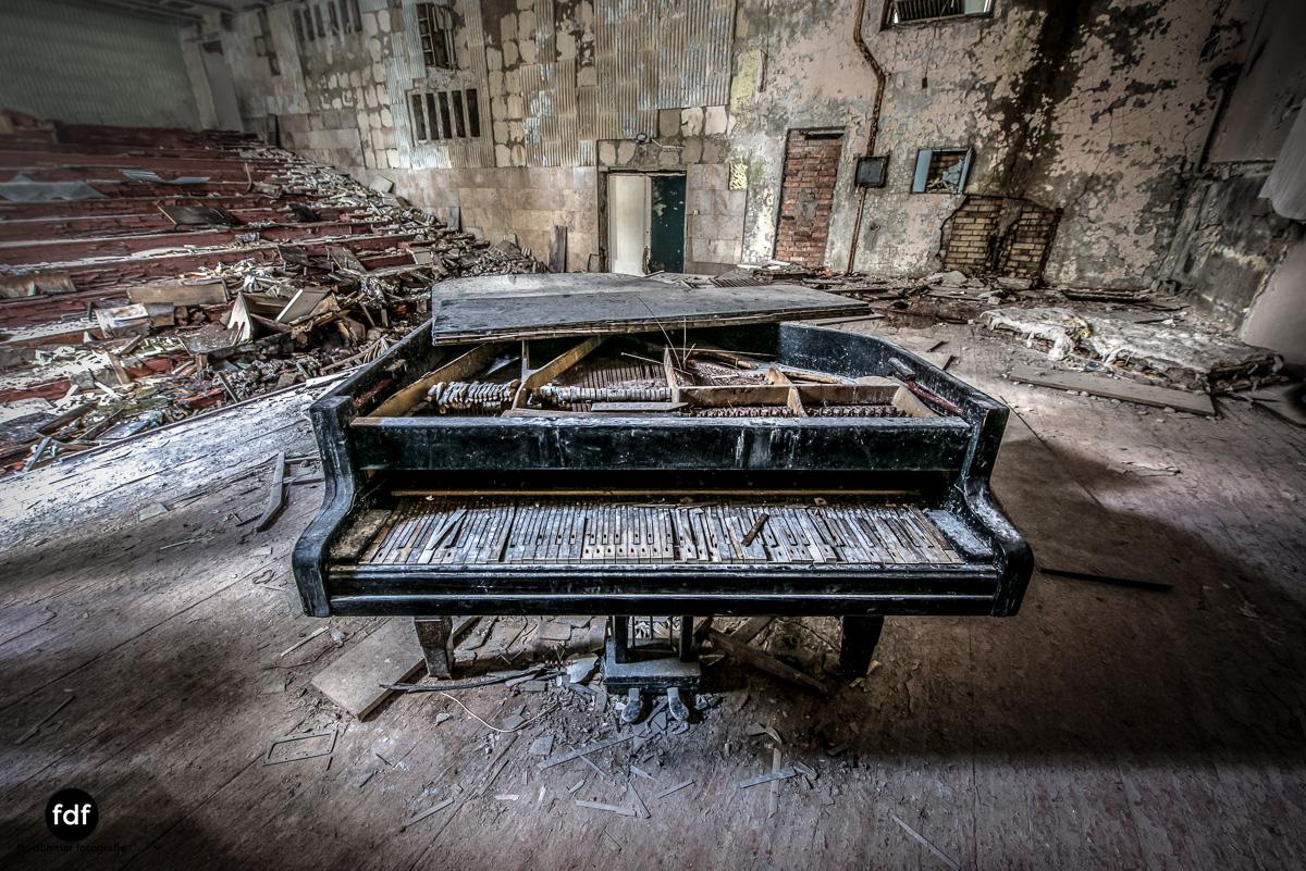 Tschernobyl-Chernobyl-Prypjat-Urbex-Lost-Place-Cafe-Prypjat-Prometheus-Klavierschule-21.jpg