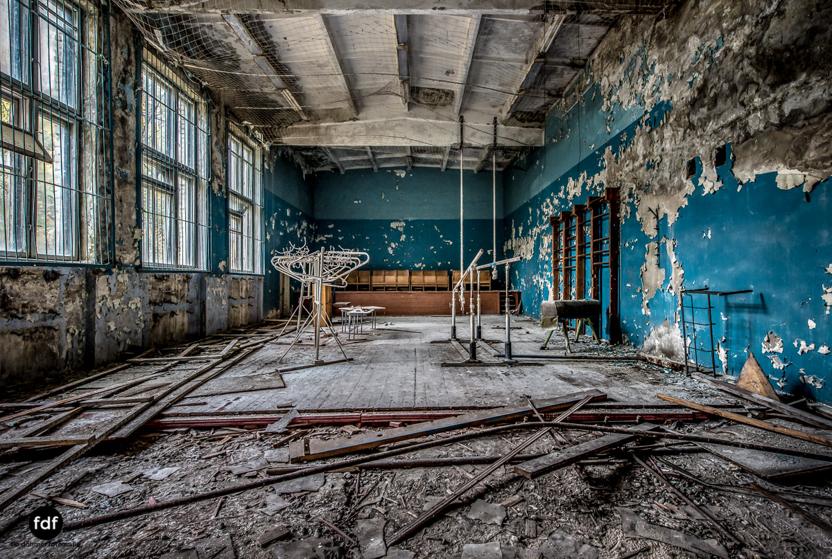 Tschernobyl-Chernobyl-Prypjat-Urbex-Lost-Place-Duga-Schule-Kino-2.jpg