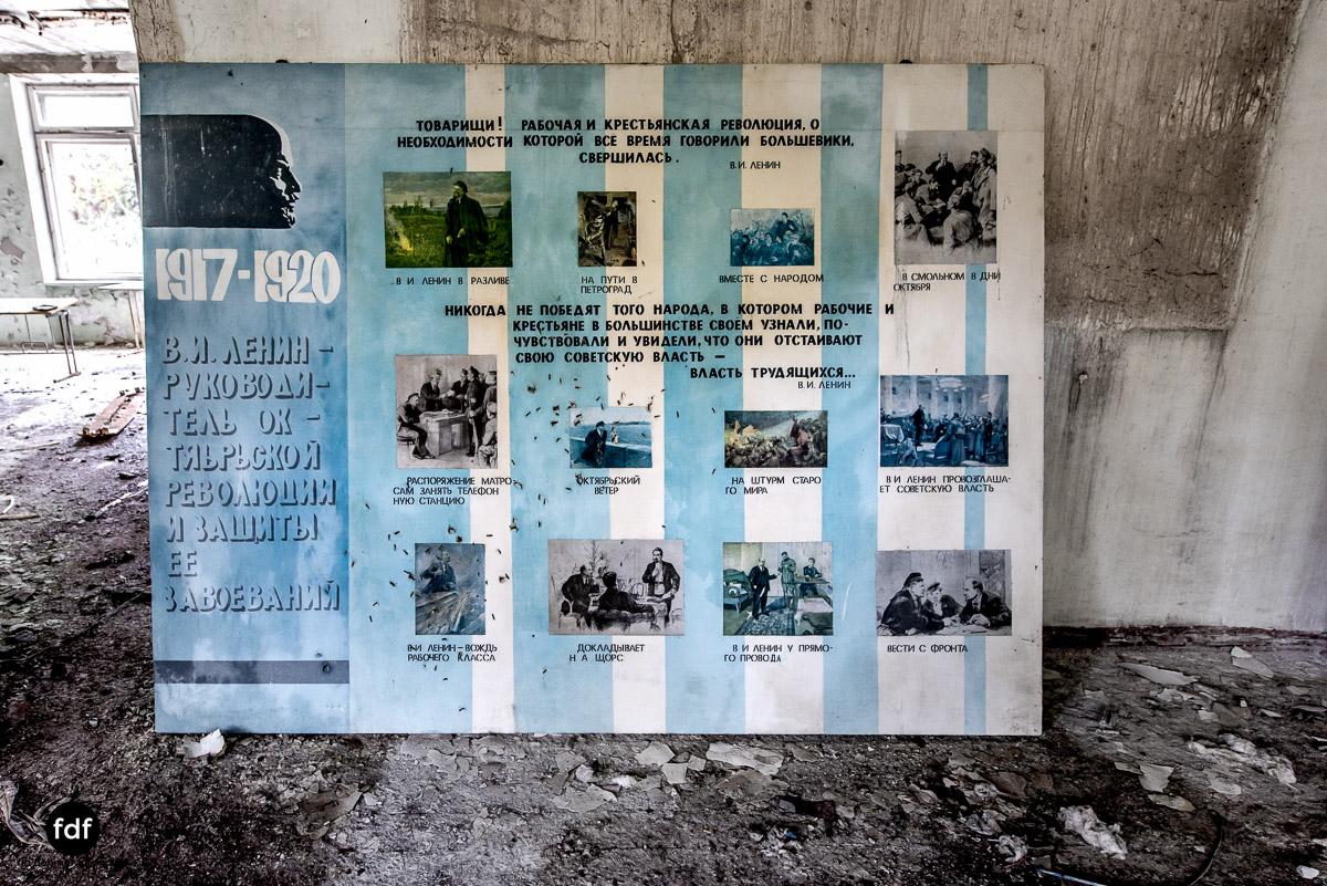 Tschernobyl-Chernobyl-Prypjat-Urbex-Lost-Place-Duga-Schule-Kino-9.jpg