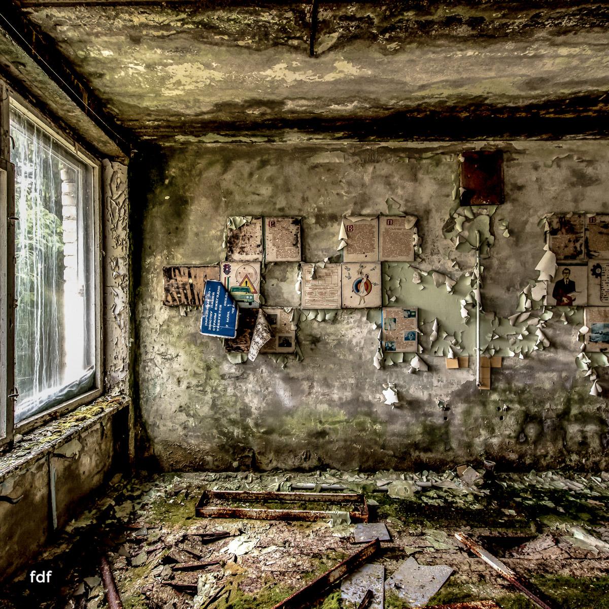 Tschernobyl-Chernobyl-Prypjat-Urbex-Lost-Place-Duga-Schule-Kino-12.jpg