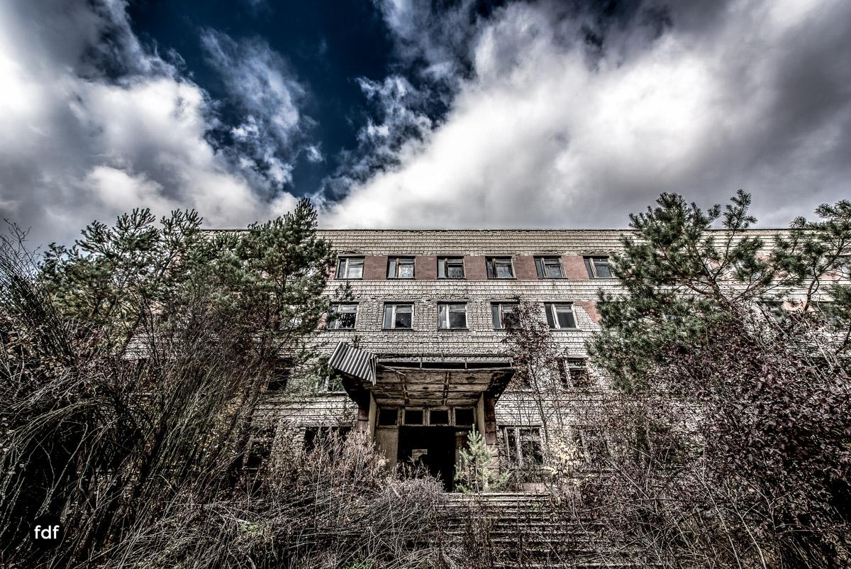 Tschernobyl-Chernobyl-Prypjat-Urbex-Lost-Place-Duga-Schule-Kino-22.jpg