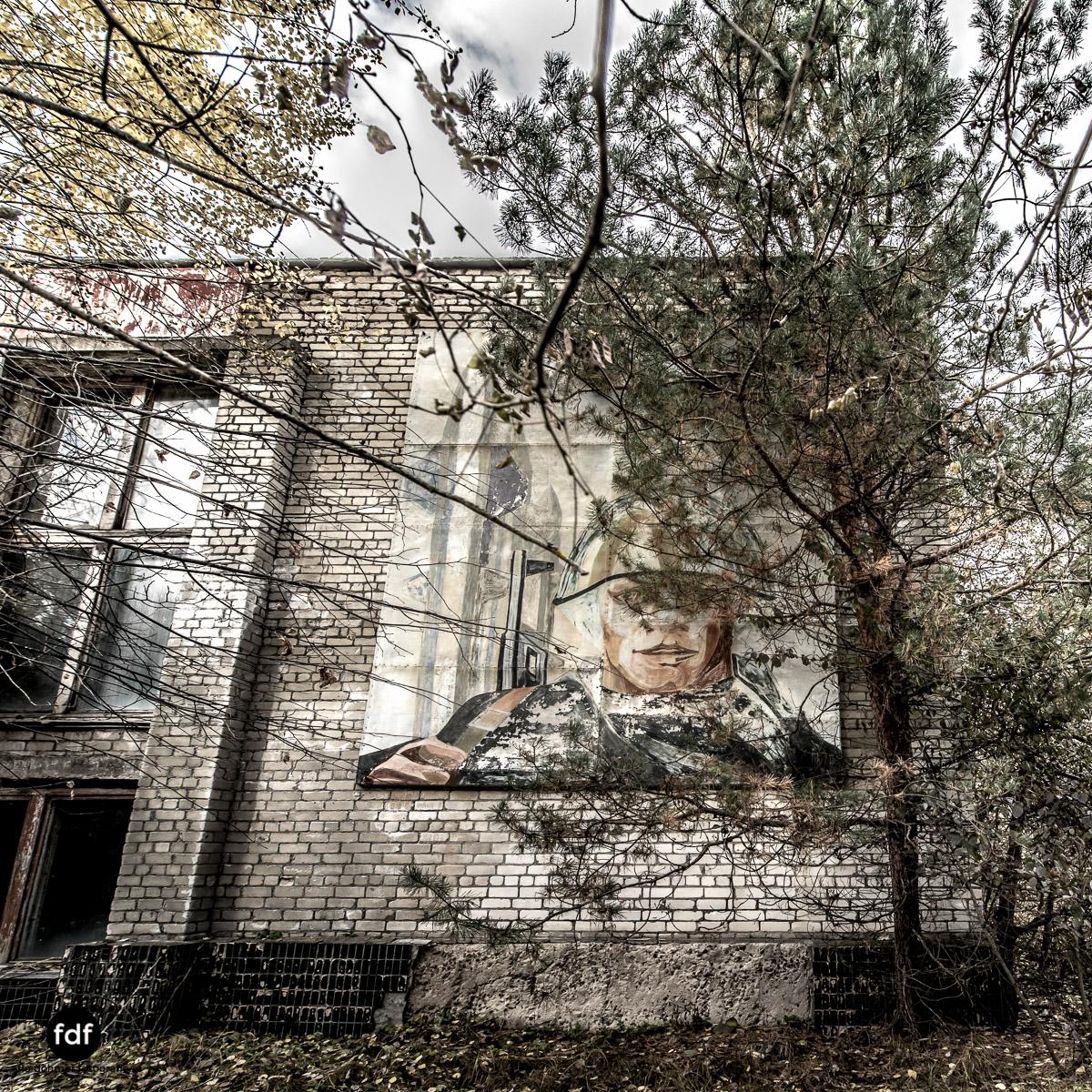 Tschernobyl-Chernobyl-Prypjat-Urbex-Lost-Place-Duga-Schule-Kino-24.jpg