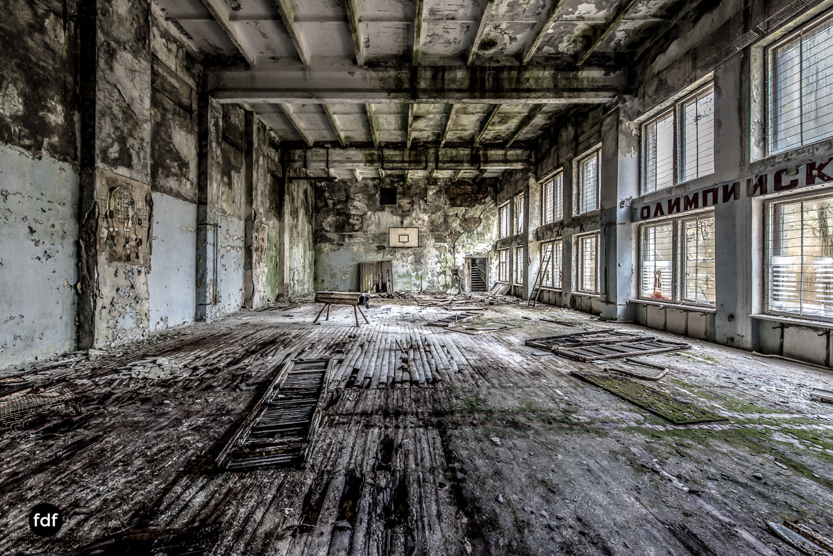 Tschernobyl-Chernobyl-Prypjat-Urbex-Lost-Place-Duga-Schule-Kino-28.jpg