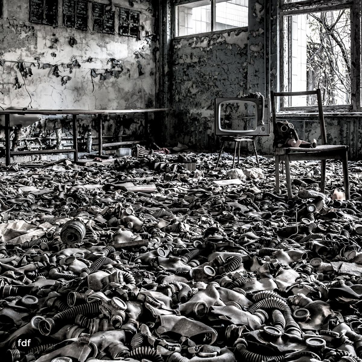 Tschernobyl-Chernobyl-Prypjat-Urbex-Lost-Place-Gasmasken-Schwimmbad-2.jpg