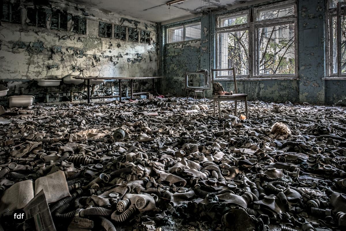 Tschernobyl-Chernobyl-Prypjat-Urbex-Lost-Place-Gasmasken-Schwimmbad-1.jpg