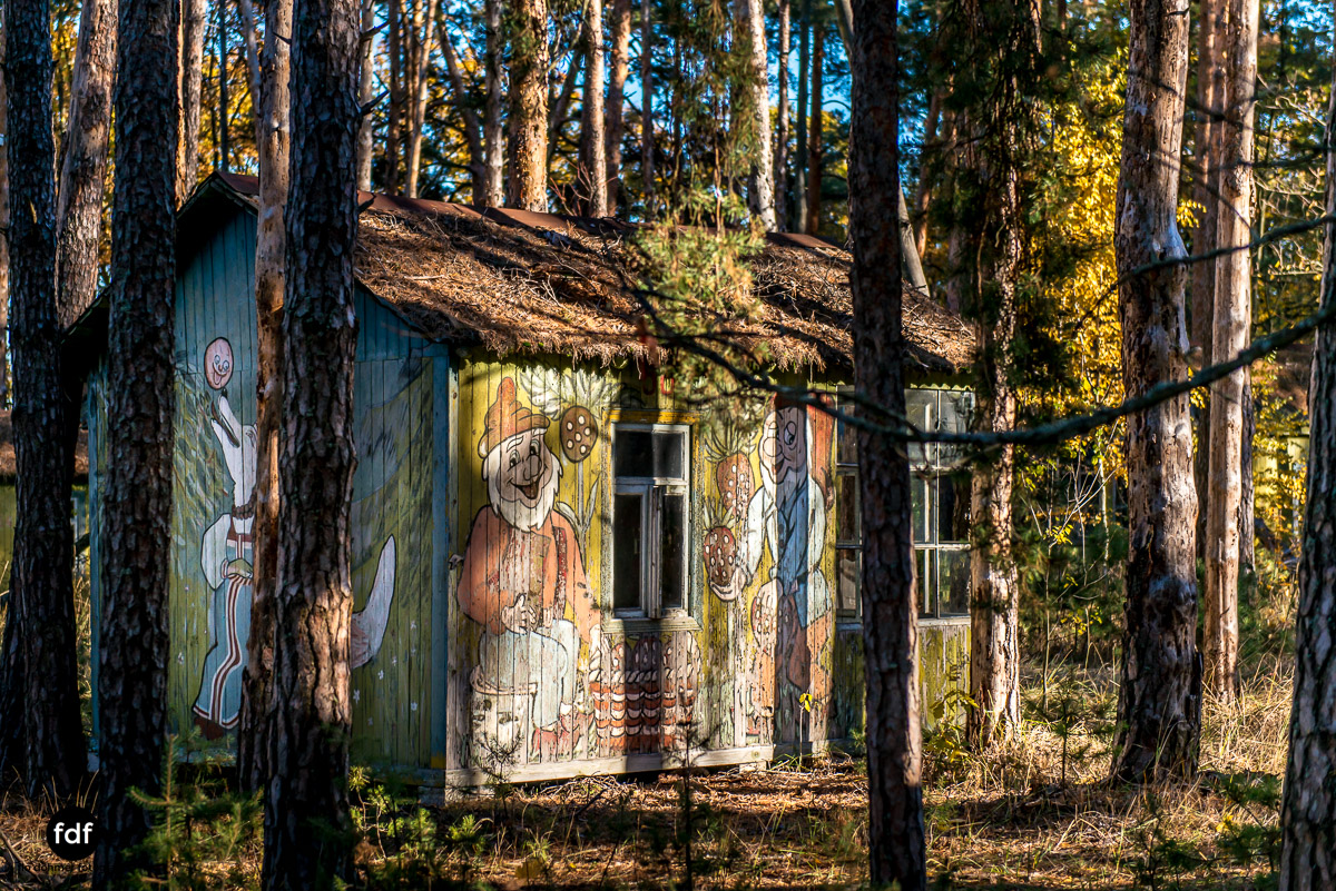 Tschernobyl-Chernobyl-Prypjat-Urbex-Lost-Place-Kinderferienlager-22.jpg