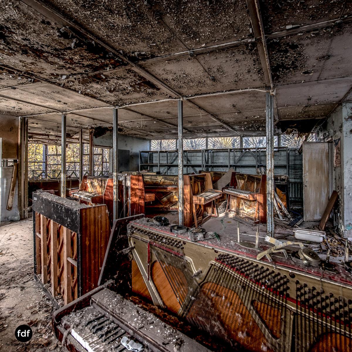Tschernobyl-Chernobyl-Prypjat-Urbex-Lost-Place-Klavierhaus-Kindergarten-4.jpg