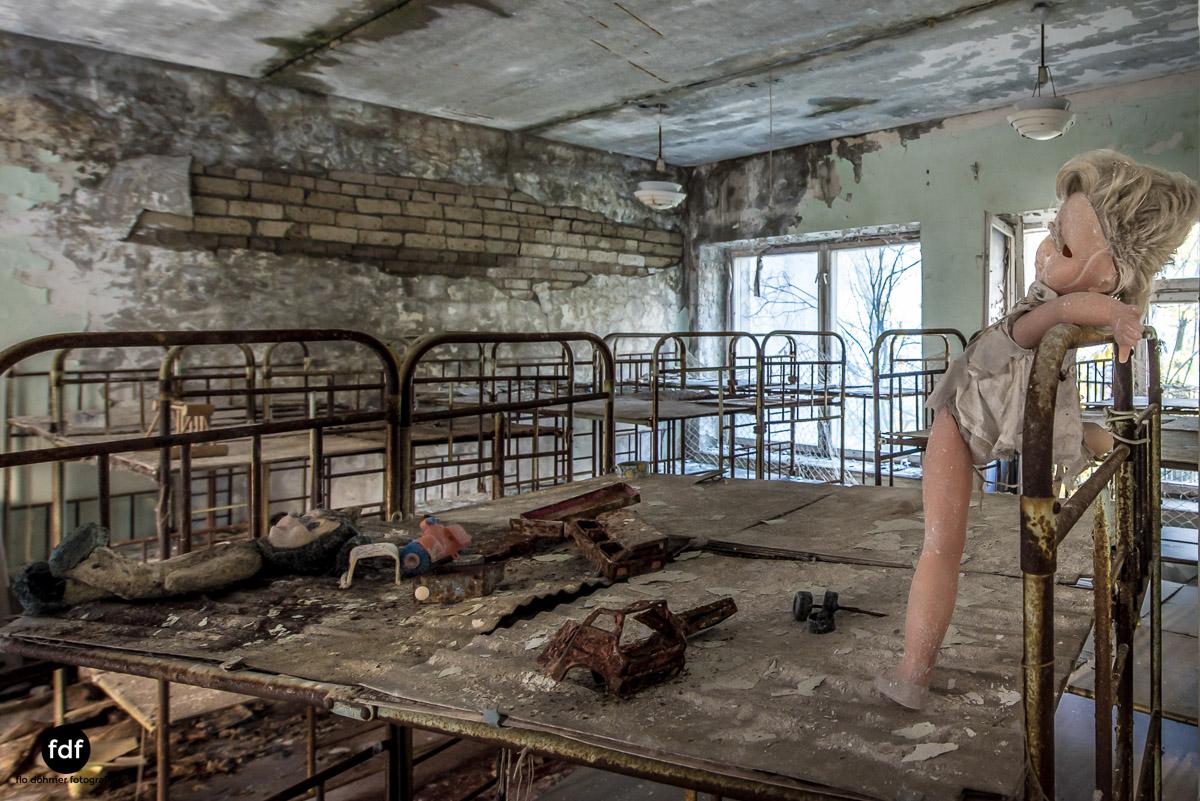 Tschernobyl-Chernobyl-Prypjat-Urbex-Lost-Place-Klavierhaus-Kindergarten-21.jpg