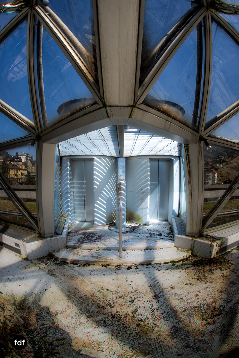 Lost-in-Space-Place-Alpen-Therme-Glashaus-Kuppel-11.JPG