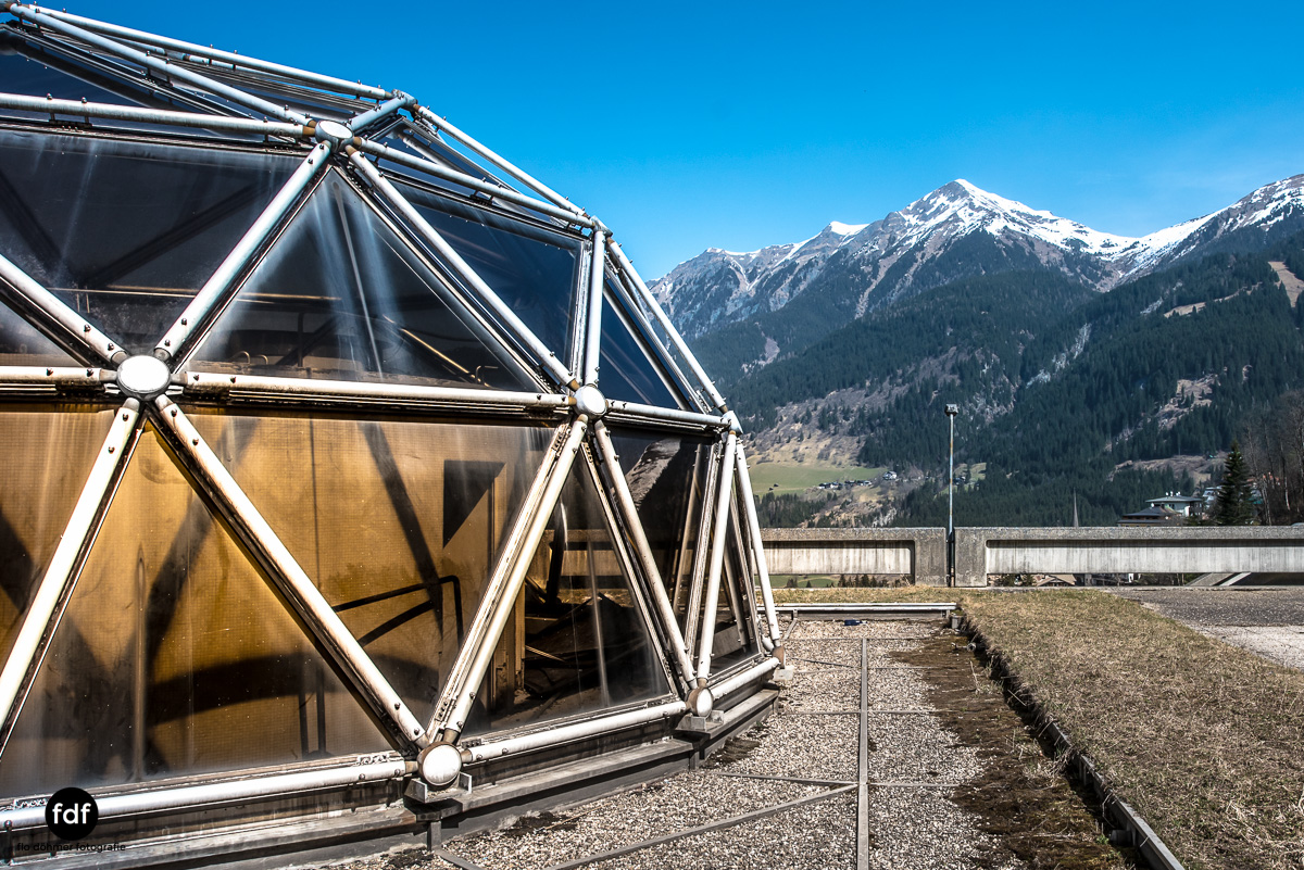 Lost-in-Space-Place-Alpen-Therme-Glashaus-Kuppel-13.JPG