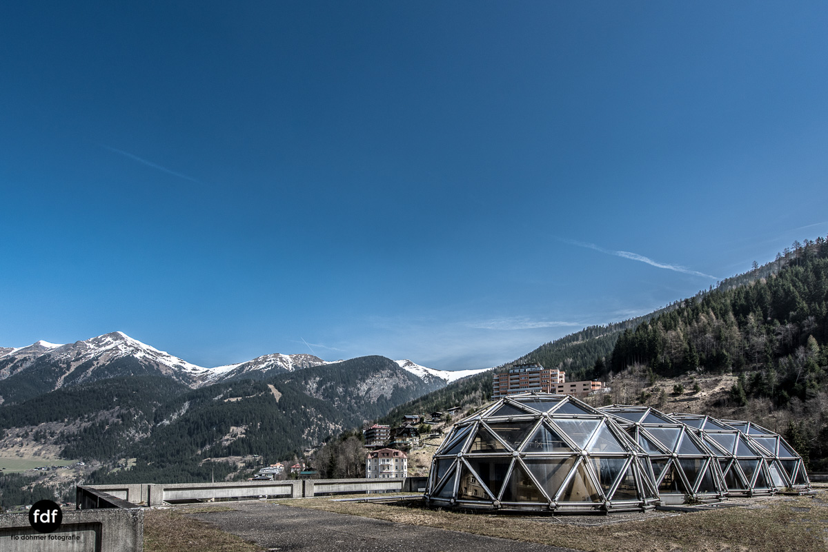 Lost-in-Space-Place-Alpen-Therme-Glashaus-Kuppel-15.JPG