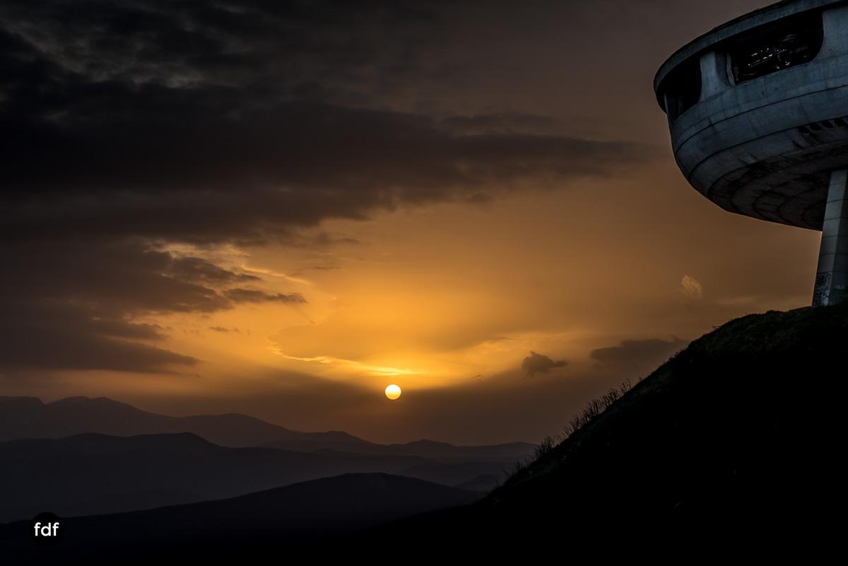 Buzludzha-Monument-Kommunismus-UFO-Shipka-Bulgarien-Lost-Place-781.JPG