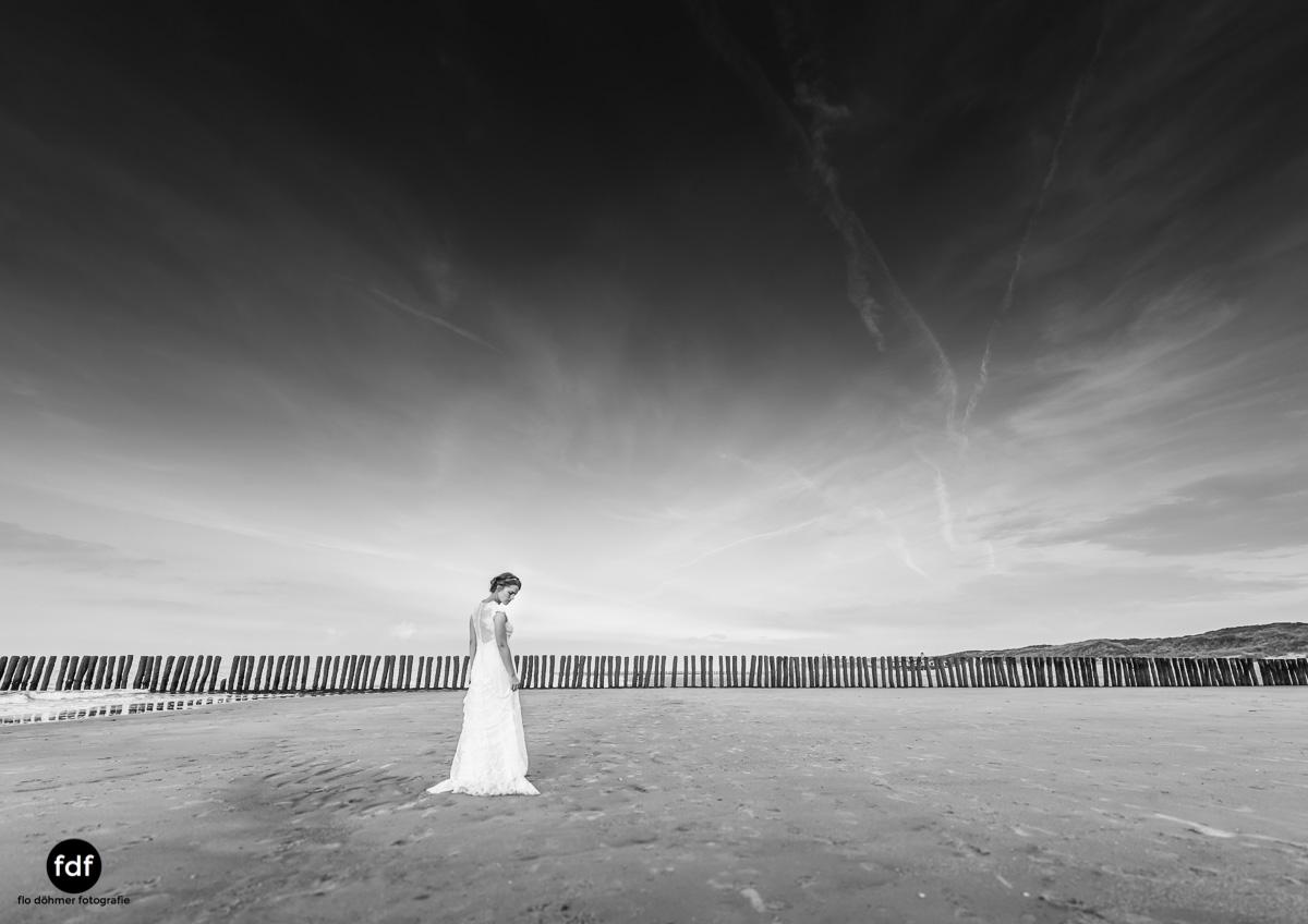 Braut-Meer-Hochzeit-Brautkleid-Shooting-Cadzand (701 von 7).JPG