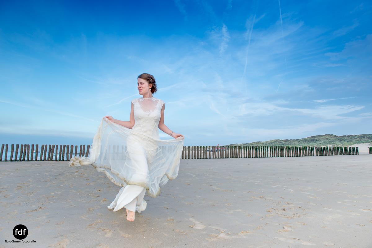Braut-Meer-Hochzeit-Brautkleid-Shooting-Cadzand (702 von 7).JPG