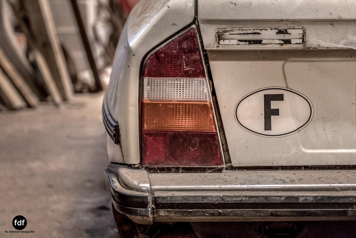Garage Poussette-Oldtimer-Lost-Place-Frankreich-34.JPG