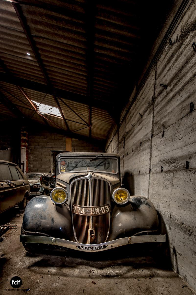 Garage Poussette-Oldtimer-Lost-Place-Frankreich-85.JPG