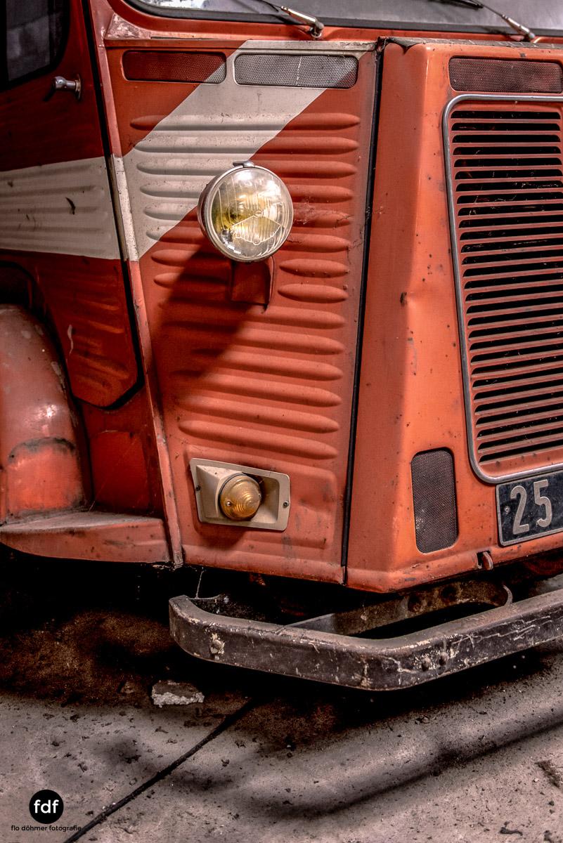 Garage Poussette-Oldtimer-Lost-Place-Frankreich-67.JPG