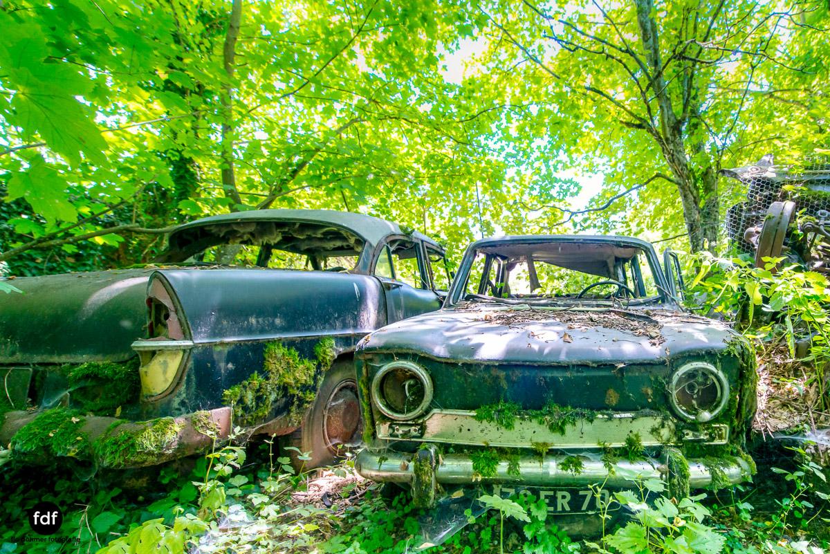 Garage Poussette-Oldtimer-Lost-Place-Frankreich-127.JPG