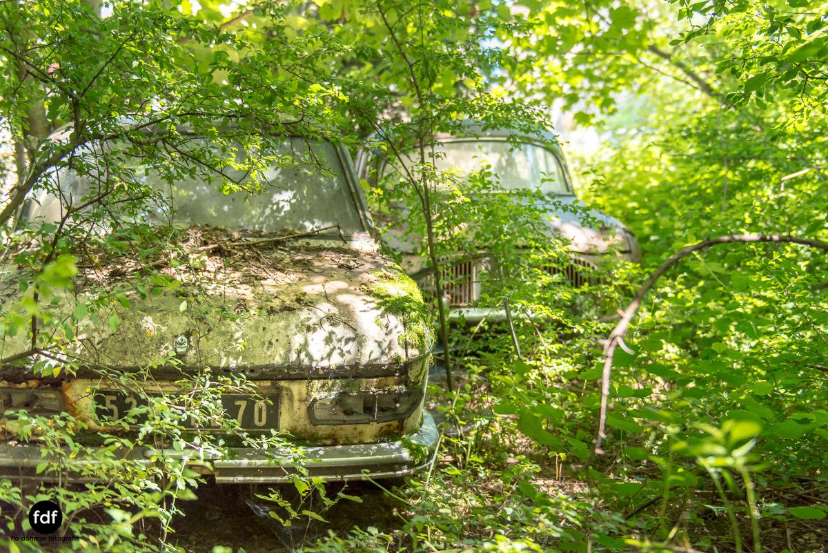 Garage Poussette-Oldtimer-Lost-Place-Frankreich-204.JPG