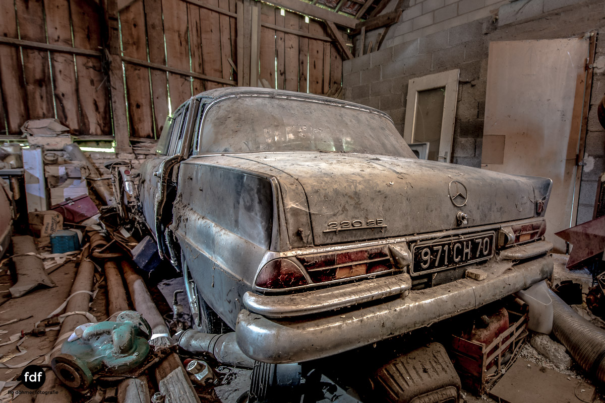 Garage Poussette-Oldtimer-Lost-Place-Frankreich-210.JPG