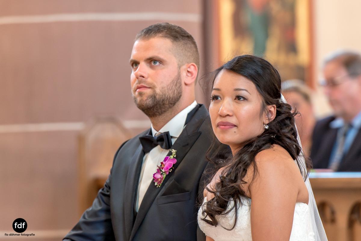 Hochzeit-S&J-Der-Tag-Kirche-Brautkleid-Wedding-12.JPG